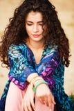 Mulher do cabelo Curly foto de stock