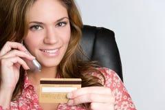 Mulher do cartão de crédito fotos de stock royalty free