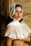 Mulher do colar do laço Fotos de Stock Royalty Free