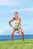 Mulher do exercício da aptidão de Crossfit Fotos de Stock Royalty Free