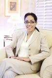Mulher do hispânico de Confidentyoung fotografia de stock