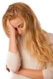 A mulher doente com gripe, febre e dor de cabeça ou enxaqueca isolou o ove Imagens de Stock Royalty Free