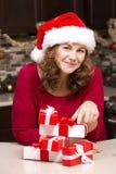 Mulher durante o Natal Fotos de Stock