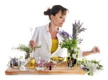 Mulher e óleos essenciais fotos de stock royalty free