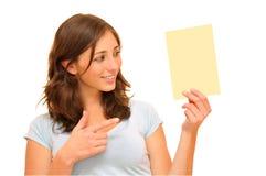 Mulher e cartão bonitos fotografia de stock