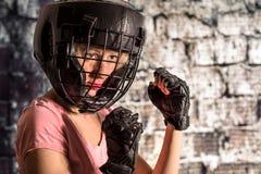 Mulher e lutador Fotografia de Stock Royalty Free