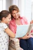 Mulher e neta sênior Imagem de Stock