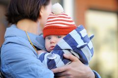 Mulher e seu neto pequeno adorável Fotografia de Stock Royalty Free