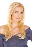 Mulher elegante com cabelo louro longo fotografia de stock royalty free
