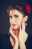 A mulher elegante com forte compõe Imagens de Stock Royalty Free