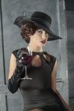 Mulher elegante com vinho Imagens de Stock