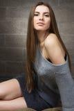 Mulher elegante na camisola de lã Imagem de Stock Royalty Free