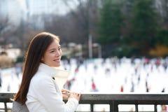 Mulher em Central Park, New York City Fotos de Stock Royalty Free