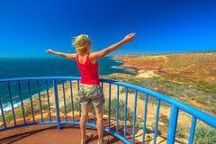 Mulher em Eagle Gorge Lookout fotos de stock royalty free