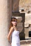 Mulher em Ephesus Fotos de Stock Royalty Free