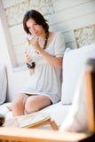 Mulher em férias Foto de Stock Royalty Free