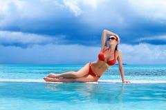 Mulher em Maldives Fotos de Stock Royalty Free