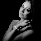 Mulher em preto & no branco imagens de stock royalty free