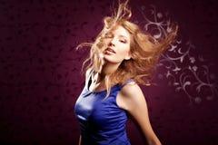 Mulher em um fundo brilhante do vintage Imagens de Stock Royalty Free