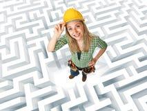 Mulher em um labirinto Imagem de Stock