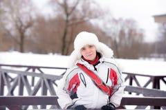 Mulher em um revestimento de esportes Fotografia de Stock Royalty Free