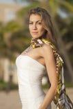 Mulher em um vestido branco fotos de stock royalty free