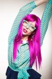 Mulher em uma peruca Foto de Stock