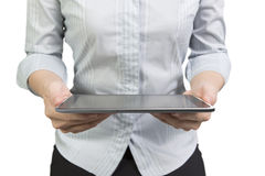 A mulher entrega guardar a tabuleta esperta com écran sensível preto Fotografia de Stock Royalty Free