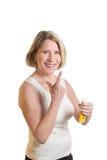 Mulher envelhecida meio com suncream imagem de stock royalty free