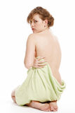 Mulher envolvida em uma toalha Foto de Stock Royalty Free