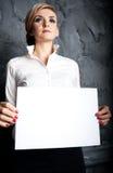 A mulher esconde o modo Foto de Stock