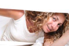 Mulher escondida imagens de stock royalty free