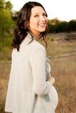Mulher feliz nova bonita que ri e que sorri Foto de Stock Royalty Free