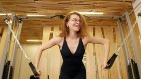 Mulher fina nova que faz a aptidão no gym filme