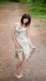 Mulher Flirty no vestido fora imagens de stock
