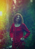 Mulher a floresta místico Foto de Stock Royalty Free