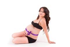 Mulher gravida bonita - sobre um branco Imagens de Stock Royalty Free
