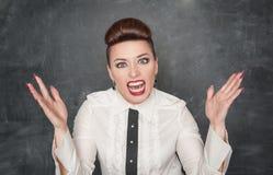 Mulher gritando irritada imagem de stock royalty free