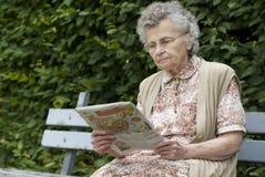 Mulher idosa fotografia de stock
