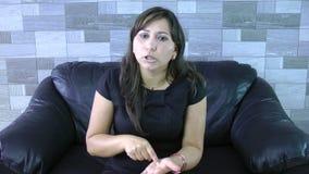 Mulher irritada video estoque