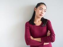 Mulher irritada e infeliz foto de stock