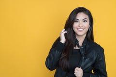 Mulher latino-americano feliz fotos de stock