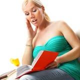 A mulher leu um livro. Imagem de Stock