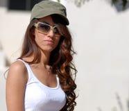 Mulher lindo com curly longo fotografia de stock