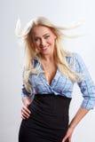 Mulher loura com cabelo fundido foto de stock royalty free