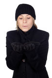 Mulher loura com um sopro azul do lenço Fotografia de Stock Royalty Free