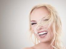 Mulher loura feliz Imagem de Stock Royalty Free