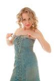 Mulher loura 'sexy' nas calças de brim sarafan Foto de Stock Royalty Free