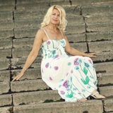 Mulher loura superior bonita Imagem de Stock Royalty Free