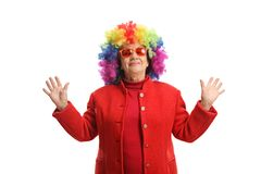 Mulher madura com uma peruca colorida foto de stock